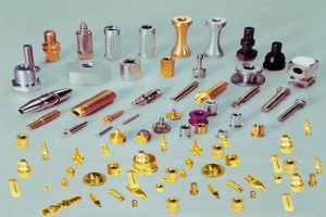 CNC turning and milling composite processing manufacturers explain the selection of lathes